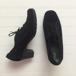 Clark's Bendable Black Leather LaceUp Oxford Heels